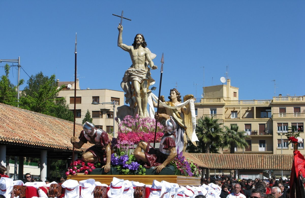 semana santa or holy week essay Holy week in spain is the annual tribute of the passion of jesus christ celebrated by catholic spain is known especially for its holy week traditions or semana santa.