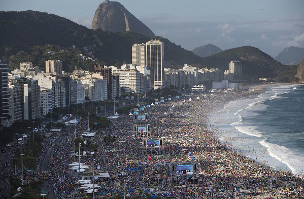 World Youth Day crowd at Copacabana Beach