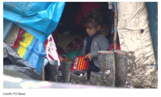 refugee-child-in-grande-synthe-refugee-camp-in-france