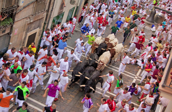 Running of the Bulls - Wikimedia Commons by Atkins525